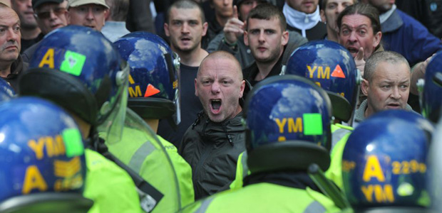 EDL-Walsall-protest-4.jpeg