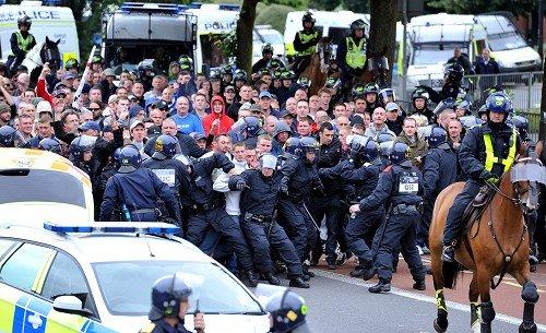 EDL in Bristol (3)