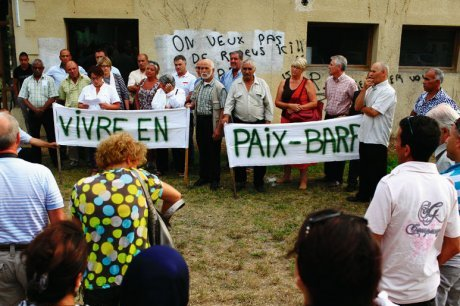 Le Barp anti-racist demonstration
