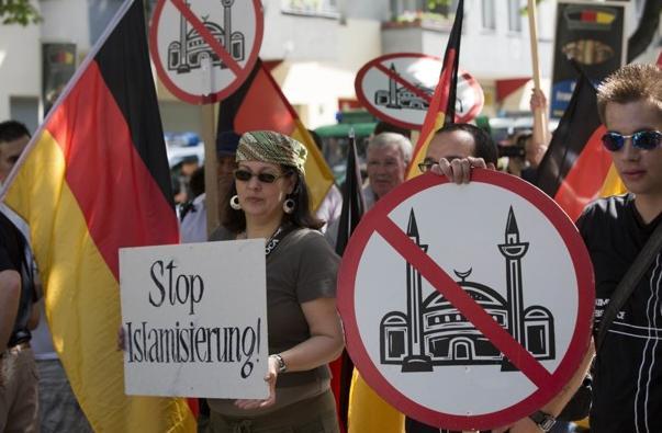 Pro Deutschland protest August 2012