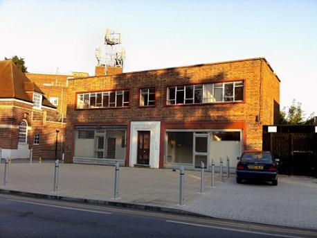 Worcester Park disused bank