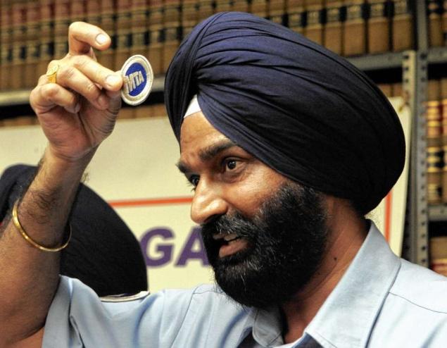 Sikh MTA worker