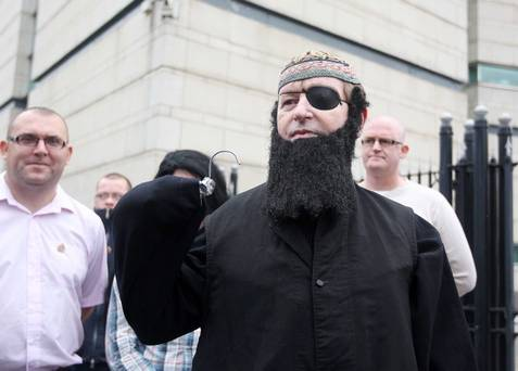 Willie Frazer as Abu Hamza