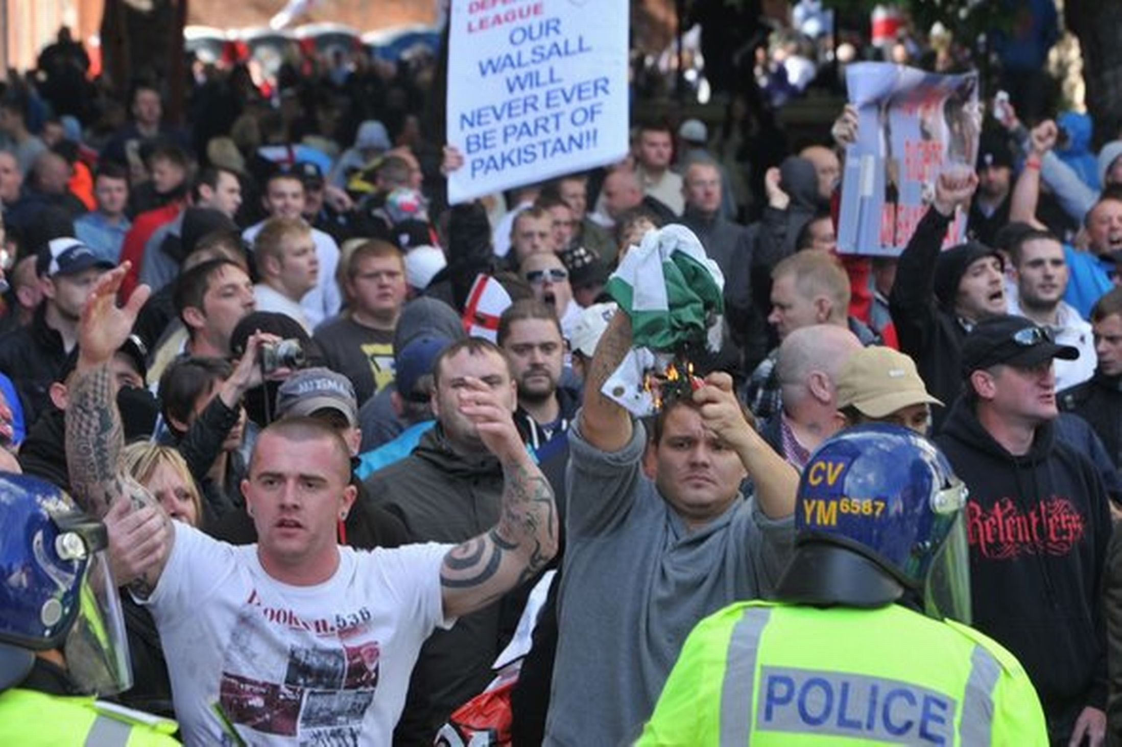 EDL Walsall protest (5)