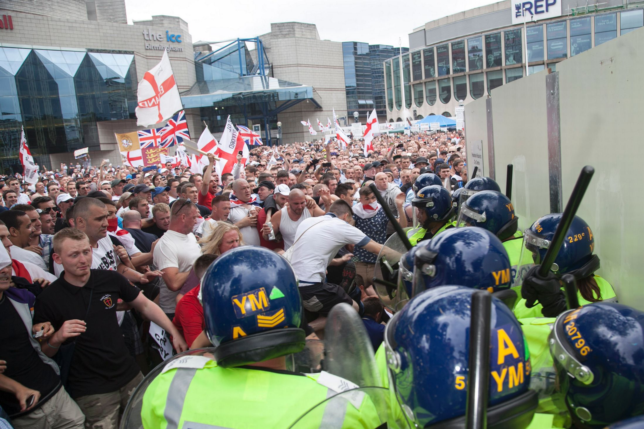 EDL clash with police in Birmingham