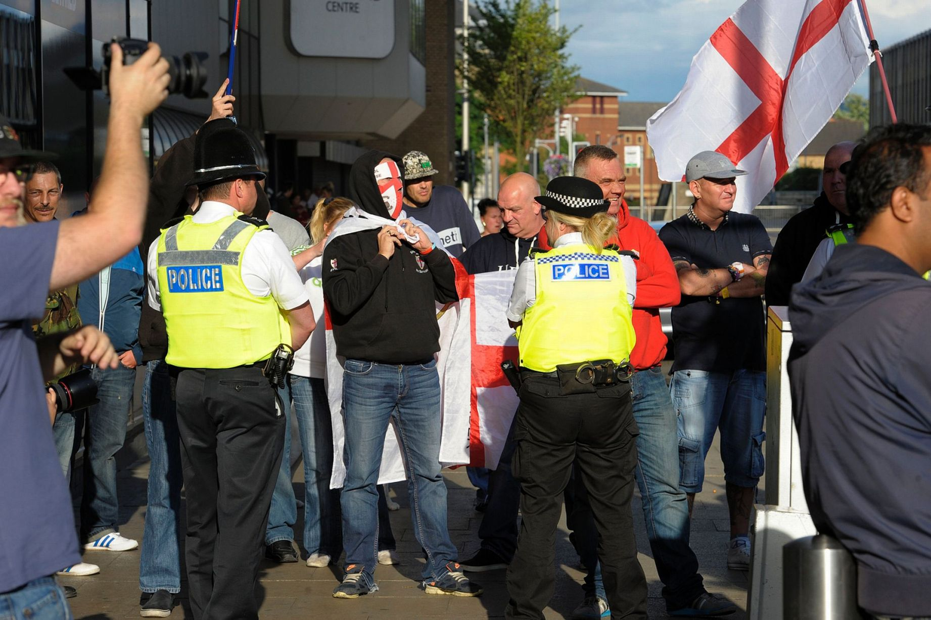 EDL disrupt Teeside Palestine Solidarity vigil in Middlesbrough