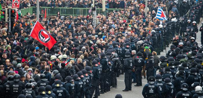 Demo Hooligans gegen Salafisten - Proteste