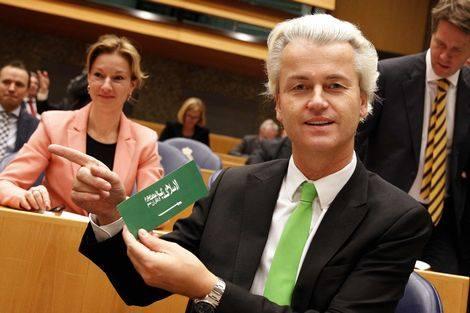 Wilders with anti-Islam sticker (2)